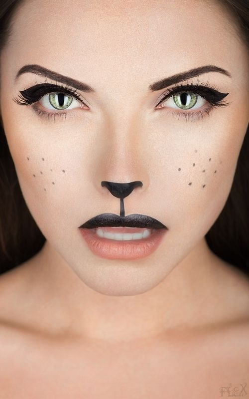 Sweet and innocent Halloween look 3