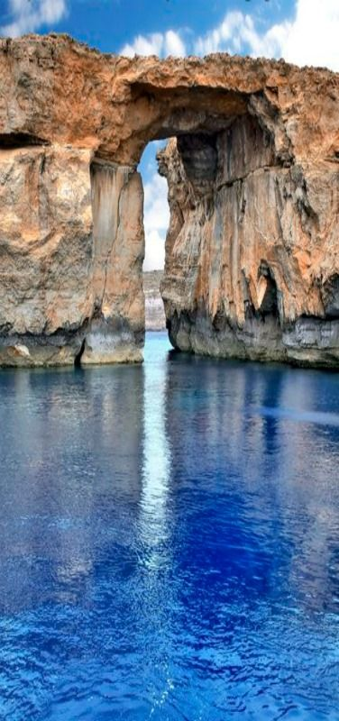 Blue Window, Malta