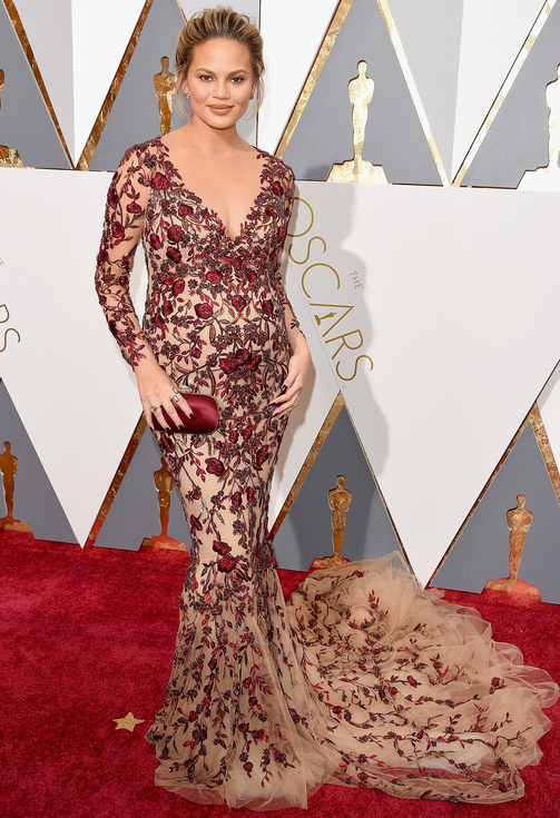 Chrissy Teigen , 88th Annual Academy Awards. Kynzah.com