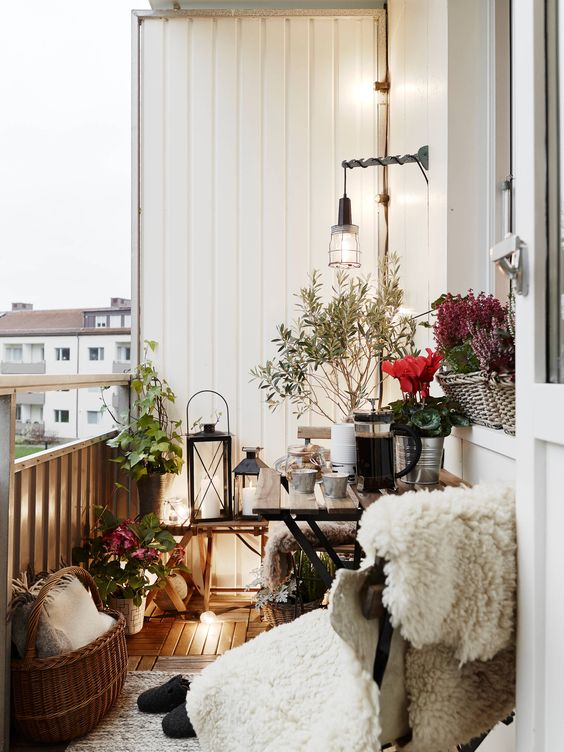 Spring inspiration for your balcony by www.kynzah.com